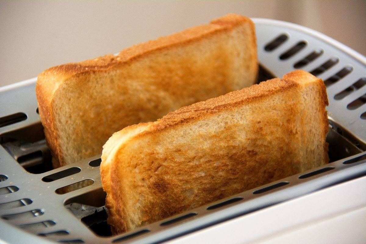 Two toasts in the toaster.